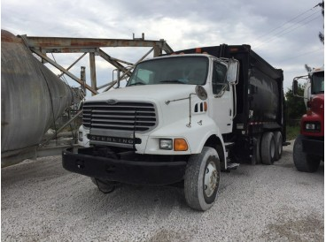 2004 STERLING GARBAGE TRUCK, BODY MCNEILUS 31YDS
